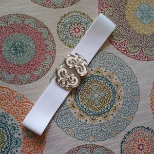 White Belt With White & Silver Tone Buckle